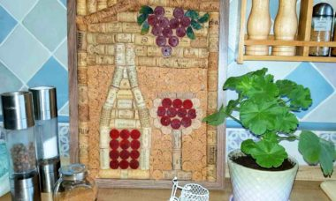 """Painting of wine corks """"Bottle of wine"""" Sold for crypto"""